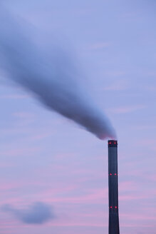 Germany, North Rhine-Westphalia, Bergkamen, Ruenthe, Bergkamen Power Station, Smoke stack in the evening - WIF001605