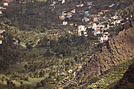 Spain, Canary Islands, La Gomera, Valle Gran Rey, View to mountain village - PCF000114
