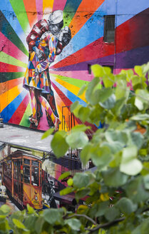 USA, New York, Manhattan, colourful mural by Brazilian street artist Kobra depicting the photograph by Alfred Eisenstaedt titled V-J Day in Times Square - PS000678