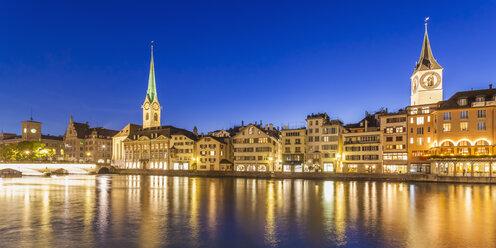 Switzerland, Zurich, Switzerland, Zurich, River Limmat, Muenster Bridge, Fraumuenster Church and St. Peter's Chuch - WDF003020