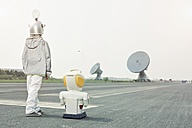 Boy dressed up as spaceman with robot - EDF000156