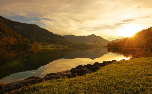 Austria, Styria, Lake Grundlsee at sunset - LHF000452