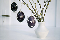 Easter eggs prepared with wax technique - GISF000100
