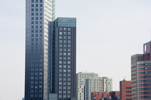 Netherlands, Rotterdam, view to modern buildings - MYF000986