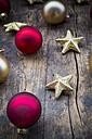 Christmas decoration on dark wood - LVF003169