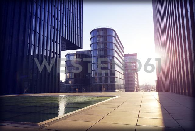 Germany, Dusseldorf, office buildings at media harbor - GUF000094 - Guntmar Fritz/Westend61