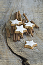 Cinnamon stars and cinnamon sticks - ASF005543