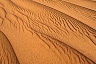 Algeria, Tassili n' Ajjer, sand ripples on a desert dune at Sahara - ESF001560