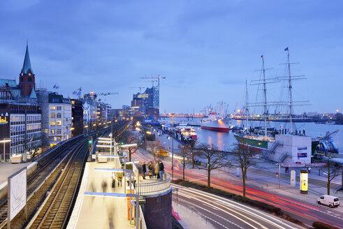 Germany, Hamburg, subway station Landungsbruecken at blue hour - BRF001155