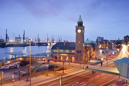 Germany, Hamburg, St. Pauli Landing Stages with gauge tower at blue hour - BRF001157