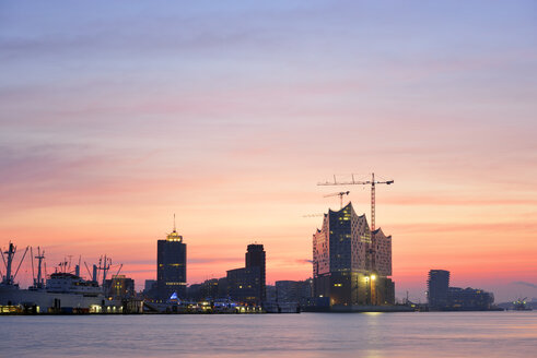 Germany, Hamburg, Elbphilharmonie at dawn - BRF001159