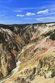 USA, Wyoming, Yellowstone National Park, View to Yellowstone River, Grand Canyon of the Yellowstone - FOF008078