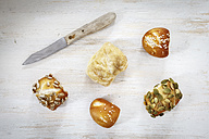 Different mini lye rolls and knive - EVGF001562