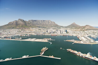 South Africa, aerial view of Cape Town with harbor - CLPF000084