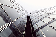 Germany, Duesseldorf, facade of modern office building - HOHF001321