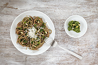 Whole-grain spelt spaghetti with ramson pesto - EVGF001652