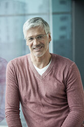 Portrait of smiling man with grey hair - RBF002633