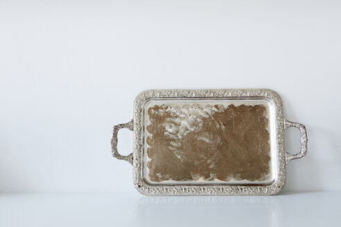 Used old metal tray - DISF002022