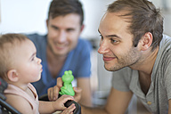 Gay couple with adopted child - ZEF004272