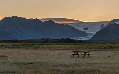 Iceland, Hoefn, view to bench at camping ground - KEBF000175
