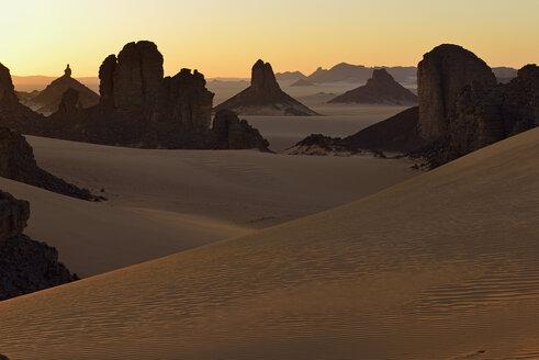 Africa, Algeria, Sahara, Tassili N'Ajjer National Park, Sunset over Timghas - ESF001566
