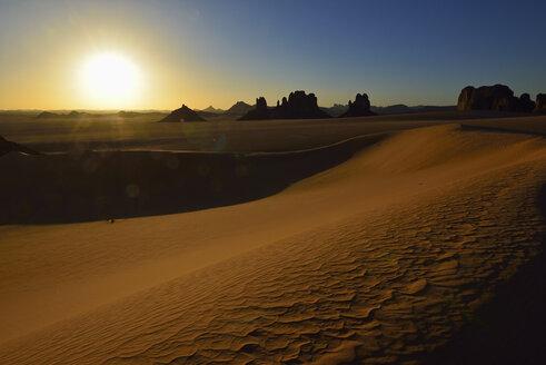 Africa, Algeria, Sahara, Tassili N'Ajjer National Park, Sunset over Timghas - ESF001567
