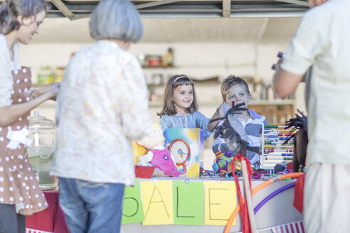 Kids having a garage sale - ZEF004885