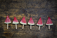 Row of six watermelon popsicles - LVF003348