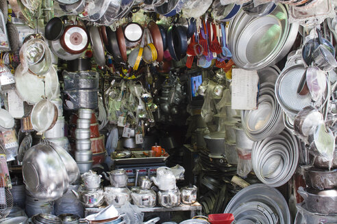 Iran, Shiraz, assortment of a hardware shop - FLF000961