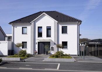Germany, Langenfeld, new built one-family house - GUFF000103