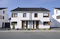 Germany, Moenchengladbach, semidetached house - GUFF000108