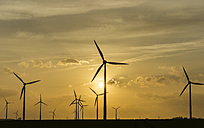 Germany, Salzgitter, wind park in the evening - PVCF000427