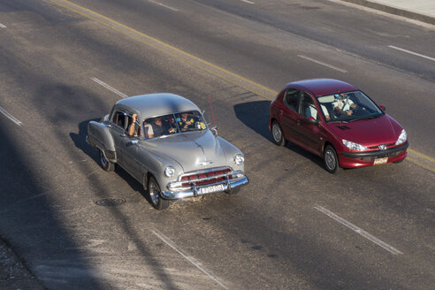 Cuba, Havana, new and vintage car at Malecon - FB000385