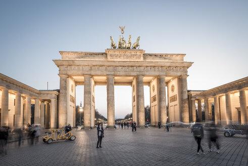 Germany, Berlin, Berlin-Mitte, Brandenburg Gate in the evening - EGB000076