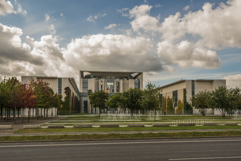 Germany, Berlin, Berlin-Tiergarten, Chancellor's office - FB000397