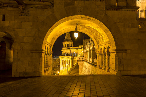Hungary, Budapest, Fisherman's Bastion at night - MABF000320