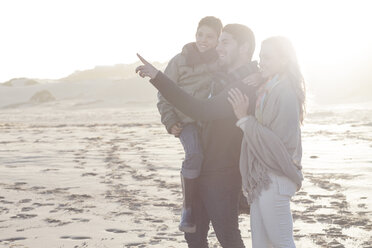 South Africa, Cape Town, young couple and son on the beach - ZEF005254