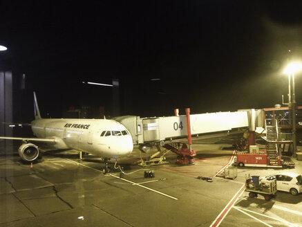 Frankfurt airport, aircraft at gate, Frankfurt, Germany - MS004594