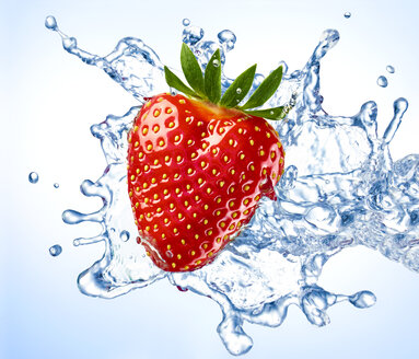 Strawberry and water splash - RAMF000060