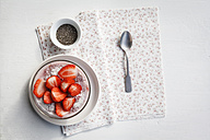 Vegan strawberry chia pudding - EVGF001750