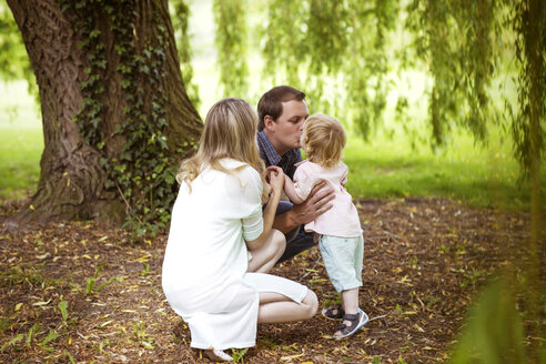 Family in a park - GDF000749