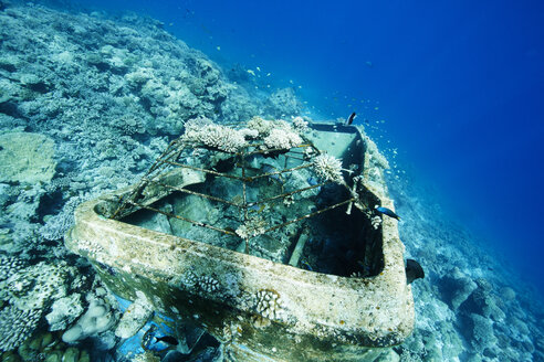 Maldives, sunken boat in the Indian Ocean - STKF001301