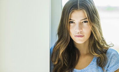Portrait of a serious brunette young woman - UUF004738