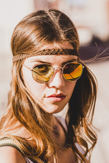 Portrait of a brunette young woman wearing boho style - UUF004716