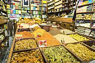 Israel, Jerusalem, spice market in old town souk - WE000352