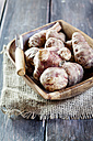 Bowl of Jerusalem artichokes and peeler - SBDF002000