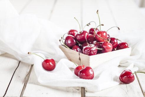 Bowl of cherries - SBDF001988