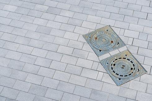 Germany, Duesseldorf, Manhole covers - VI000317