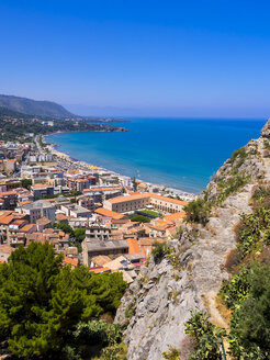 Italy, Sicily, Cefalu, View to old town of Cefalu from Rocca di Cefalu - AMF004086