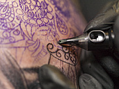 Tattoo artist at work - TAMF000007